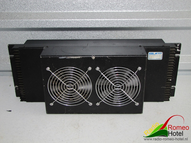 Power amplifier Decibel 155Watt 850-870Mhz backside
