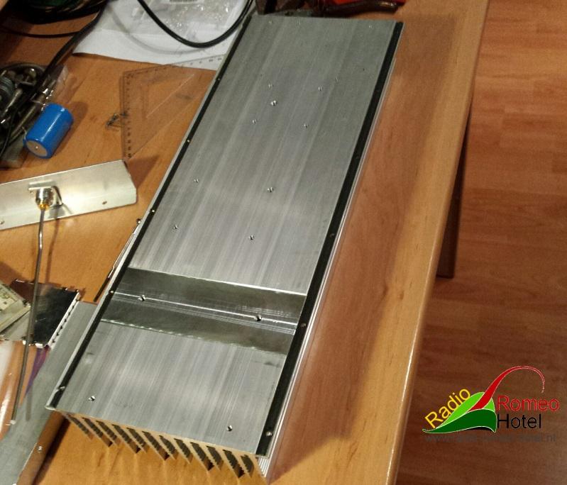 35cm amplifier met 225watt aluminium koelblok