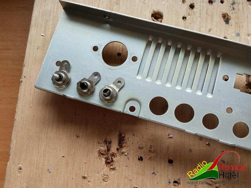 RCA connectors gemonteerd